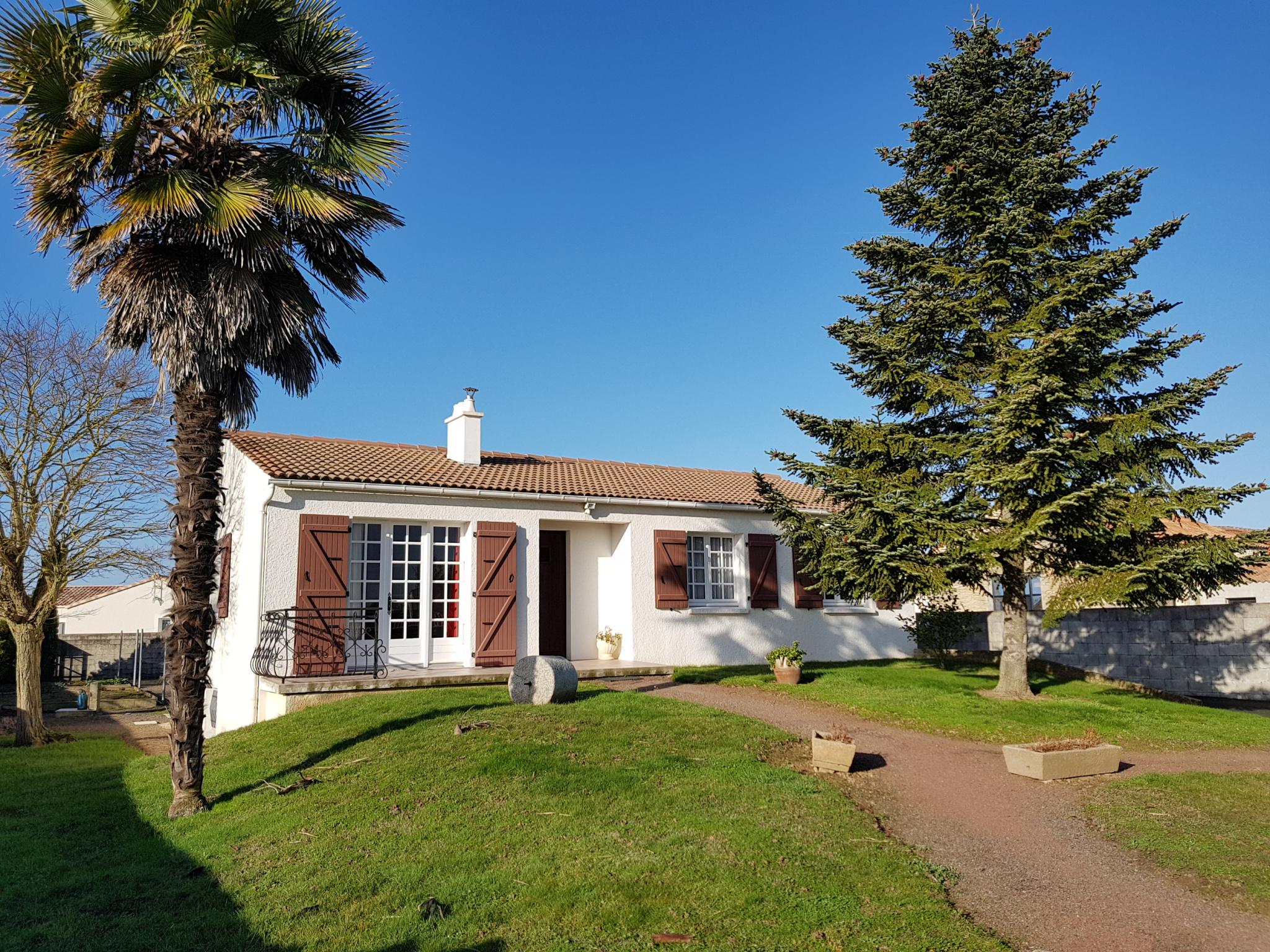 maison/villa angles Maison sur sous-sol avec 3 chambres