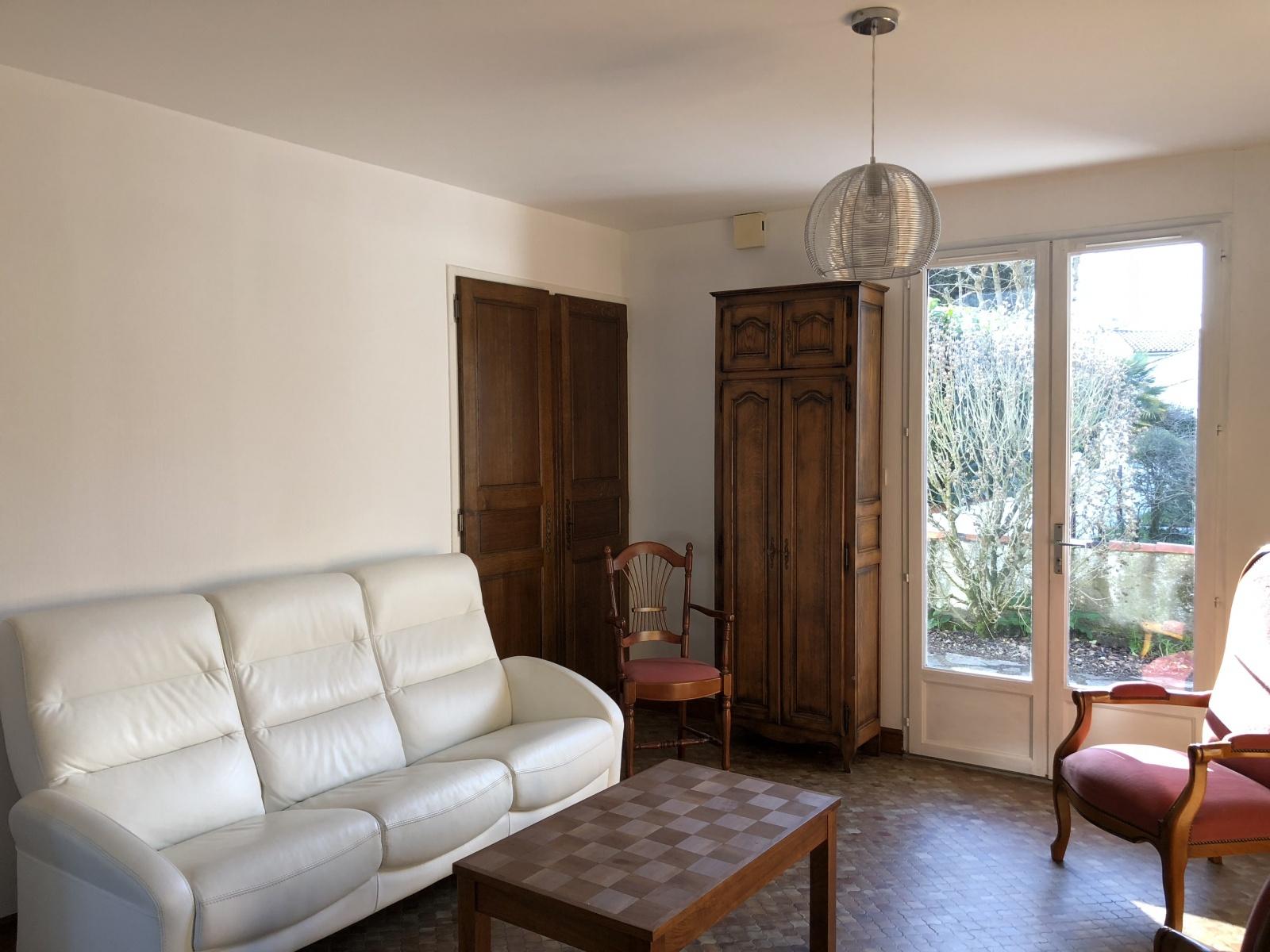 maison/villa longeville sur mer Villa au calme dans cadre verdoyant